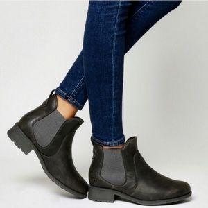 ae2ffe3e6b0 Women Ugg Bonham Boots on Poshmark
